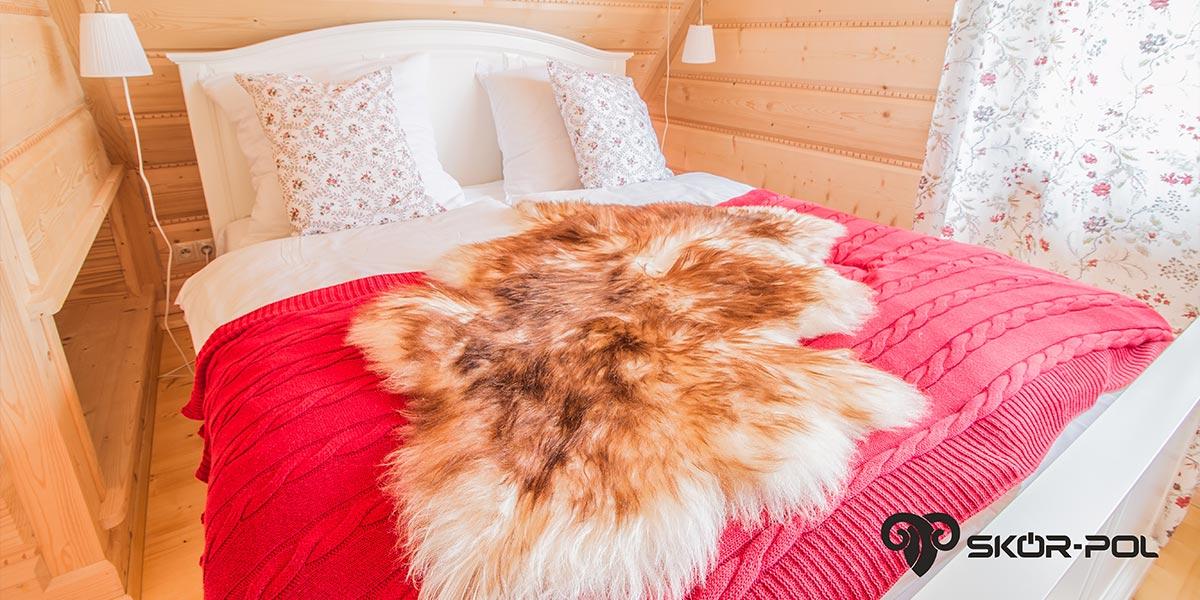 skóry na łóżko